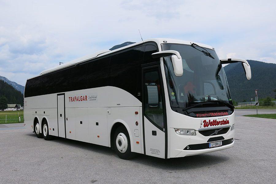 Reisebus 59-Sitzer 3***