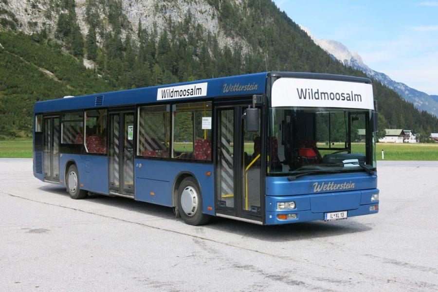 Schul- und Linienbus 99 Pers.