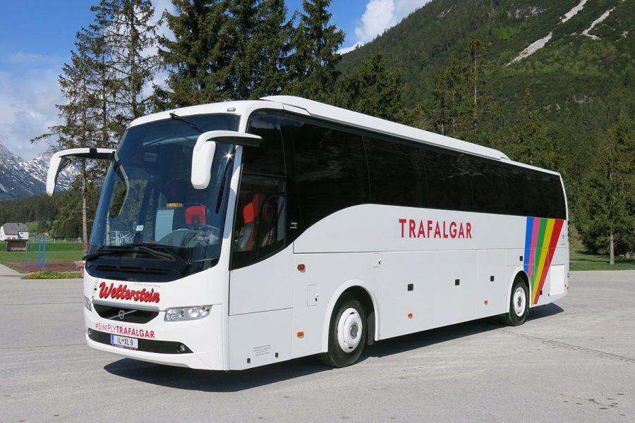 Reisebus 49-Sitzer 3***